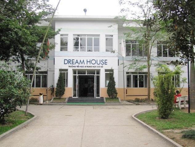 Noi_that_fami_thuc_hien_cong_trinh_tai_dream_house.jpg